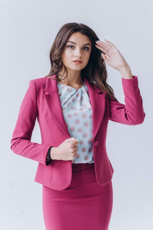 Розовый пиджак